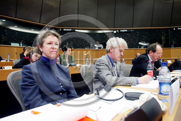 BRUSSELS - BELGIUM - 18 JANUARY 2005 --From left Muriel DUNBAR, ETF Director, Willy BUSCHAK, Acting  Director for Eurofound, and Johan van RENS, Director Cedefop, at the Committee on Employment and Social Affairs meeting in the EU Parliament. -- PHOTO: ERIK LUNTANG / EUP-IMAGES