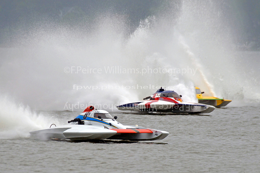 "Joe Sovie, E-8 ""Last Minute Again"", John Shaw, E-35 ""T M Special"", Andy Keogh, E-13 ""Lady Luck"" (5 Litre class hydroplane(s)"