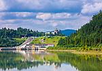 Elektrownia i zamek w Niedzicy nad Zalewem Czorsztyńskim