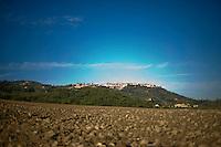 A panoramic view of Montalcino.Una veduta di Montalcino