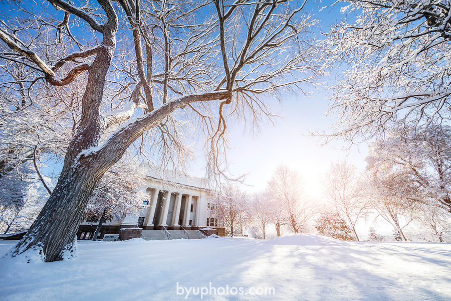 1701-04 GCS Snow_0047<br /> <br /> 1701-04 GCS Snow<br /> <br /> December 9, 2016<br /> <br /> Photography by Nate Edwards/BYU<br /> <br /> © BYU PHOTO 2016<br /> All Rights Reserved<br /> photo@byu.edu  (801)422-7322