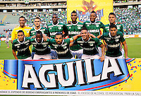CALI - COLOMBIA - 23 - 01 -2015: Los jugadores de Deportivo Cali, posan para una foto durante partido de ida entre Deportivo Cali y Atletico Nacional, por la Super LigaLiga Aguila 2016 en el estadio Deportivo Cali (Palmaseca) de la ciudad de Cali. / The players of Deportivo Cali, pose for a photo during a match for the first round between Deportivo Cali and Atletico Nacional, for the Super Liga Aguila 2016 at the Deportivo Cali (Palmaseca) stadium in Cali city. Photo: VizzorImage /  NR / Cont.