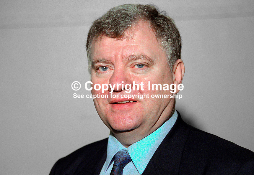 John Cushnahan, TD, Fine Gael, Rep of Ireland, at Ard Fheis, Dublin. Cushnahan is a former leader of the N Ireland Alliance Party. 199902018..Copyright Image from Victor Patterson, 54 Dorchester Park, Belfast, UK, BT9 6RJ..Tel: +44 28 9066 1296.Mob: +44 7802 353836.Voicemail +44 20 8816 7153.Skype: victorpattersonbelfast.Email: victorpatterson@mac.com.Email: victorpatterson@ireland.com (back-up)..IMPORTANT: If you wish to use this image or any other of my images please go to www.victorpatterson.com and click on the Terms & Conditions. Then contact me by email or phone with the reference number(s) of the image(s) concerned.
