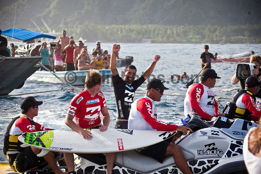 TEAHUPOO, Tahiti (Tuesday, May 19, 2009) - The 2009 Billabong Pro Tahiti presented by Air Tahiti Nui was won  today  by American surfer BOBBY MARTINEZ (USA) with Australian TAJ BURROW (AUS)  as runner up. Starting at 9 am the contest ran through to the lat afternoon final in 1.5 meter waves.. Basque surfer ARTIZ ARANBURU (EUK) and MICHAEL CAMPBELL (AUS) finished in = 3rd place..The event was Stop No. 3 of 10 on the 2009 ASP World Tour and boasted a waiting period from May 9 through May 20, 2009. .The contest brought together 45 of the world's best surfers charging the heaviest wave on earth in one of the most pristine locations on the planet..This year's event will ran with the new format, seeding all competitors directly into man-on-man elimination heats, with the Top 16 seeded directly into Round 2 while the remaining surfers battle it out in Round 1...Photo: joliphotos.com
