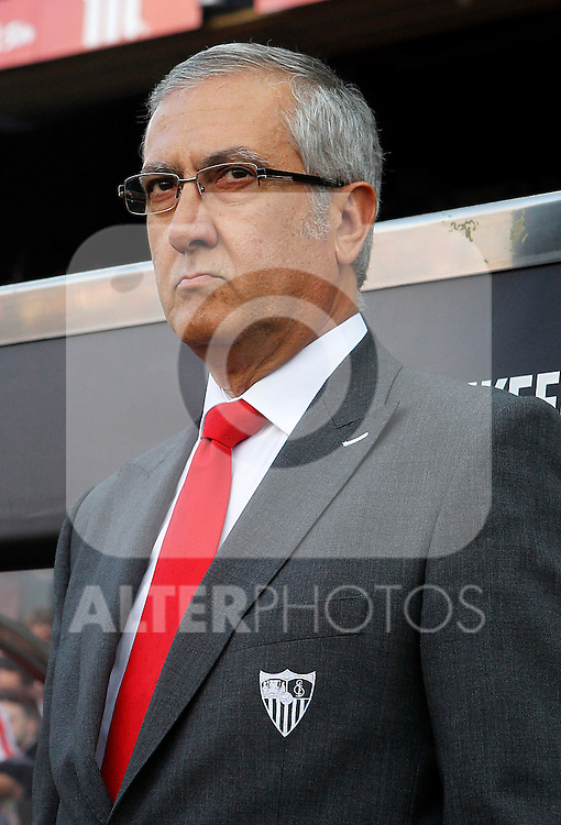 Sevilla's coach Gregorio Manzano during La Liga match.February 26,2011. (ALTERPHOTOS/Acero)