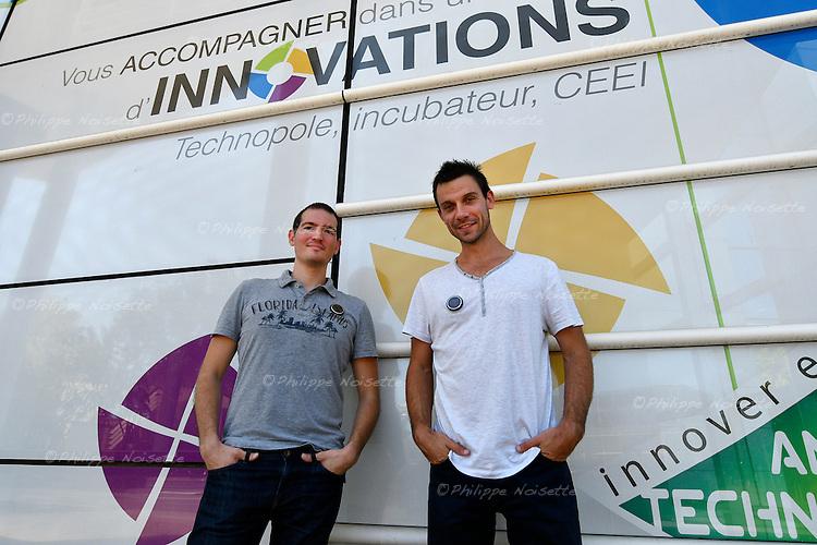 Eric Cailleau et Florian Benejean vont représenter la France au CES de Las Vegas en 2017 avec leur invention, un badge connecté.