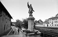 Statua di San Carlo Borromeo a Cassinetta di Lugagnano, piccolo paese lungo il Naviglio Grande a sud ovest di Milano --- Statue of San Carlo Borromeo in Cassinetta di Lugagnano, small village along the Naviglio Grande canal south west of Milan