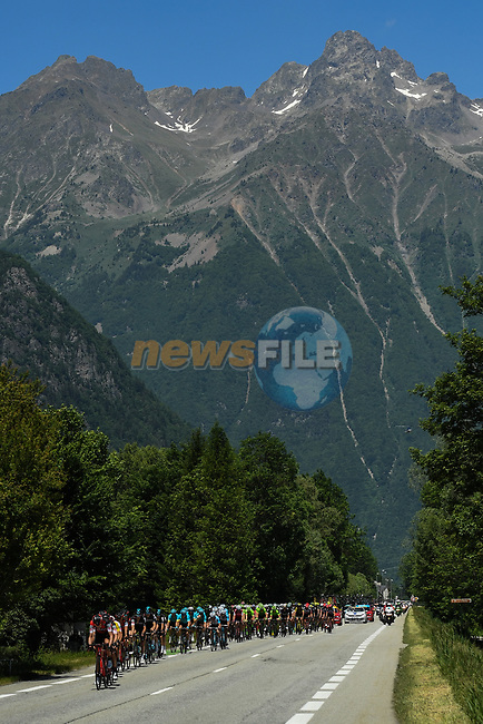 The peloton during Stage 7 of the Criterium du Dauphine 2017, running 168km from Aoste to Alpe d'Huez, France. 10th June 2017. <br /> Picture: ASO/A.Broadway | Cyclefile<br /> <br /> <br /> All photos usage must carry mandatory copyright credit (&copy; Cyclefile | ASO/A.Broadway)