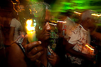A procissão das velas, em homenagem a  Nossa Senhora de Fátima.A iluminação  das ruas do entorno do Santuário de Fátima, em Belém, ficou a cargo das chamas das velas carregadas pelos devotos de Nossa Senhora de Fátima. Realizada tradicionalmente desde 1966, a Procissão das Velas, que integra as festividades alusivas à santa, percorreu várias ruas após a celebração de uma Santa Missa, pelo arcebispo metropolitano de Belém, Dom Alberto Taveira.Belém, Pará, Brasil.Foto Paulo Santos.12/05/2012