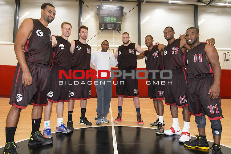 16.08.2013, Artland Arena, Quakenbrueck, GER, BBL PROA, Artland Dragons, Portraits 2013, im Bild<br /> <br /> Artland Dragons Mannschaft Saison 2013 - 2014 <br /> v.li.<br /> Lawrence Hill (Artland Dragons) Chad Topper (Artland Dragons) Chad Topper (Artland Dragons) Tyron McCoy (Artland Dragons) Chad Topper (Artland Dragons) Brandon Thomas (Artland Dragons) Lawrence Hill (Artland Dragons) David Holsten (Artland Dragons) <br /> <br /> Foto &copy; nph / Kokenge