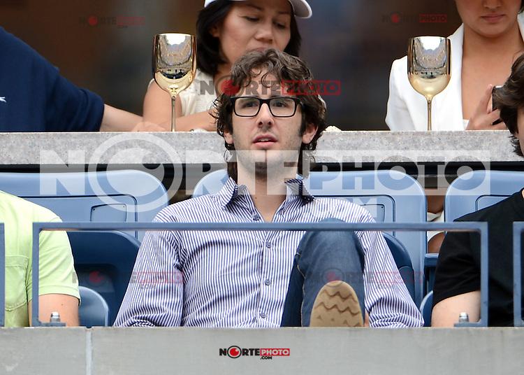 FLUSHING NY- SEPTEMBER 2: Josh Groban during Novak Jokovic Vs Julien Benneteau on Arthur Ashe stadium at the USTA Billie Jean King National Tennis Center on September 2, 2012 in in Flushing Queens. Credit: mpi04/MediaPunch Inc. ***NO NY NEWSPAPERS*** /NortePhoto.com<br /> <br /> **CREDITO*OBLIGATORIO** <br /> *No*Venta*A*Terceros*<br /> *No*Sale*So*third*<br /> *** No*Se*Permite*Hacer*Archivo**<br /> *No*Sale*So*third*