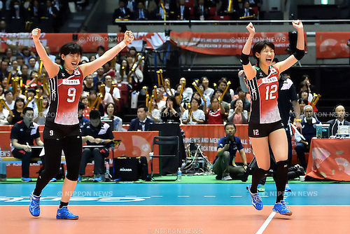(L-R) Haruyo Shimamura, Yuki Ishii (JPN), MAY 14, 2016 - Volleyball : Women's Volleyball World Final Qualification for the Rio de Janeiro Olympics 2016 match between Japan 3-0 Peru at Tokyo Metropolitan Gymnasium in Tokyo, Japan. (Photo by Ryu Makino/AFLO)