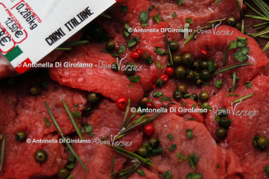 Filetto di manzo con spezie. Fillet of beef with spices...