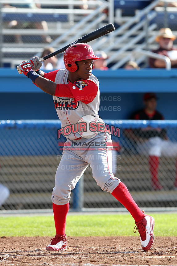 Williamsport Crosscutters outfielder Miguel Alvarez (12) during a game vs the Batavia Muckdogs at Dwyer Stadium in Batavia, New York July 25, 2010.   Batavia defeated Williamsport 8-1.  Photo By Mike Janes/Four Seam Images