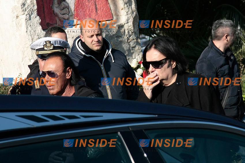 Antonello Venditti arriva insieme a Renzo Zero<br /> Roma 07-01-2015  Santuario del Divino Amore. Funerali del cantante Pino Daniele.<br /> Singer Pino Daniele funeral<br /> Photo Samantha Zucchi Insidefoto