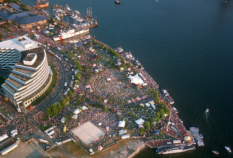 1991 June ..Redevelopment.Downtown South (R-9)..HELICOPTER.HIGH ANGLE.HARBORFEST.TOWNE POINT PARK...NEG#.NRHA#..