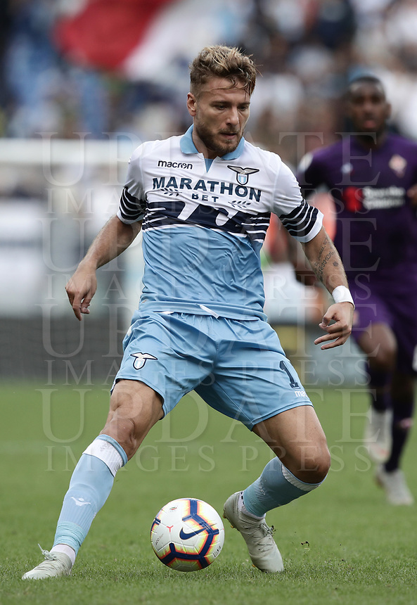 Football, Serie A: S.S. Lazio - Fiorentina, Olympic stadium, Rome, 7 october 2018. <br /> Lazio's Ciro Immobile in action during the Italian Serie A football match between S.S. Lazio and Fiorentina at Rome's Olympic stadium, Rome on October 7, 2018.<br /> UPDATE IMAGES PRESS/Isabella Bonotto