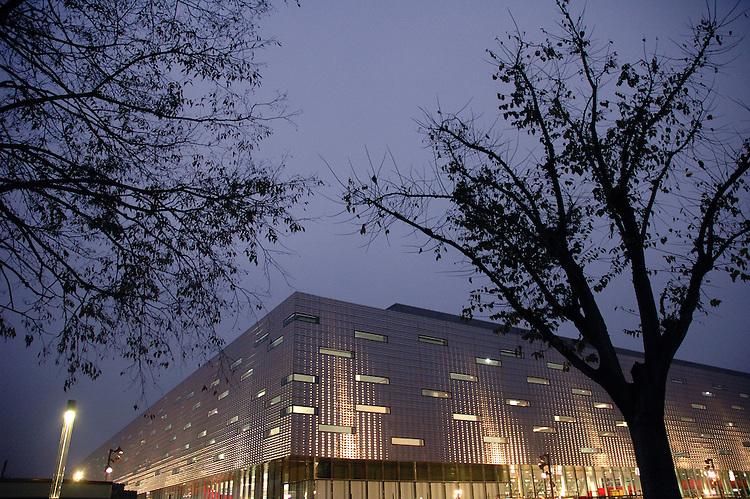 Il Palaisozaki. The Isozaki building.