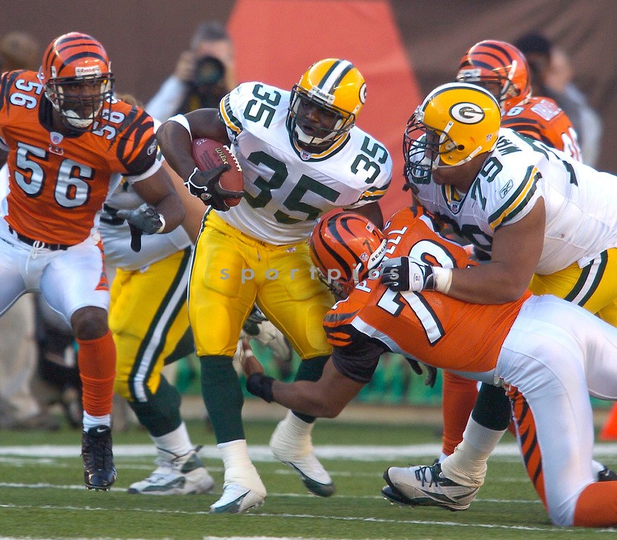 Samkon Gado, of the Green Bay Packers, during their game against the Cincinnati Bengals  on October 30, 2005...Bengals win 21-14..Chris Bernacchi / SportPics
