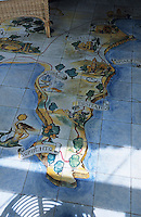 Europe/Italie/Côte Amalfitaine/Campagnie/Ravello : Sol en céramique d'un salon de la Villa Palumbo représentant la côte Amalfitaine