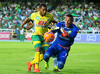CALI -COLOMBIA-08-02-2017. Eddie Segura (Izq) y Breiner Castillo (Der)  arquero del Huila durante partido entre Deportivo Cali y Atlético Huila por la fecha 1 de la Liga Aguila I 2017 jugado en el estadio Pascual Guerrero de la ciudad de Cali. / Eddie Segura (L) and Breiner Castillo (R) goalkeeper of Huila during match between Deportivo Cali and Atletico Huila during match for the date 1 of the Aguila League I 2017 played at Pascual Guerrero stadium in Cali city.  Photo: VizzorImage/ NR /Cont