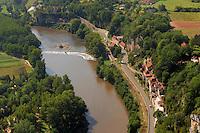 Le village de La Toulzanie est construit au flan des falaise bordant le Lot...The village of Toulzanie is built with the blank of cliff bordering the Lot.