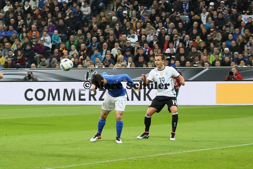 Alessandro Florenzi (ITA) klärt vor MArio Götze (D) - Deutschland vs. Italien, Allianz Arena München
