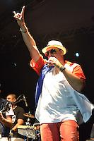 RIO DE JANEIRO, RJ, 05 DE MAIO DE 2012 - VIRADAO CARIOCA - Apresentacao da banda Rio Samba N Roll, durante o Viradao Carioca na Praia do Arpoador no Rio de Janeiro, na noite desta sabado, 05. (FOTO: MARCELO FONSECA / BRAZIL PHOTO PRESS).