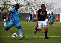 MONTERÍA - COLOMBIA, 23-02-2019: Jorge Obregón de Jaguares F. C., disputa el balón con Edison Duarte de Cúcuta Deportivo, durante partido entre Jaguares F. C. y Cúcuta Deportivo de la fecha 6 por la Liga Águila I 2019, en el estadio Jaraguay de Montería de la ciudad de Montería. / Jorge Obregón of Jaguares F. C., fights for the ball with Edison Duarte of Patriotas Boyaca,  during a match between Jaguares F. C. and Cucuta Deportivo, of the 6th date for the Leguaje Aguila I 2019 at Jaraguay de Montería Stadium in Monteria city. Photo: VizzorImage / Andrés López  / Cont.