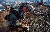 Isikveren - Kurdistan - Turckey/Iraq Border - April 1991.Consequences of Gulf War..Refugee camp for the kurdish refugees fled from North Iraq..In the picture one peshmerga. .Photo Livio Senigalliesi
