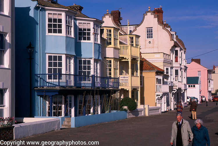 A3A7Y4 Aldeburgh Suffolk England sea front houses