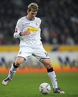 FUSSBALL   1. BUNDESLIGA   SAISON 2011/2012    17. SPIELTAG Borussia Moenchengladbach - FSV Mainz 05             18.12.2011 Thorben Marx (Borussia Moenchengladbach) Einzelaktion am Ball