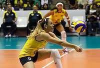 SAO BERNARDO DO CAMPO, SP, 16 JUNHO 2012 - GRAND PRIX DE VOLEI FEMININO 2012 - BRASIL x ITALIA - Fabiola  jogadora do Brasil  durante lance contra Italia pela  etapa brasileira do Grand Prix  Vôlei feminino 2012 no Ginasio Adib Moyses Dib (Poliesportivo) em Sao Bernardo do Campo no ABC Paulista, neste sabado 16. (FOTO: ALE VIANNA / BRAZIL PHOTO PRESS).