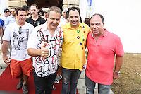 RECIFE, PE, 01.03.2014 - CARNAVAL / RECIFE / GALO DA MADRUGADA - (E/D)<br /> O governador de Pernambuco, Eduardo Campos (PSB),  o secretário da Fazenda, Paulo Câmara (PSB), pré-candidato ao governo de Pernambuco e o ex ministro Fernando Bizerra durante café da manhã e concentração do Galo da Madrugada, maior bloco de carnaval do mundo, no centro de Recife, na manhã deste sábado (01). (Foto: William Volcov / Brazil Photo Press).