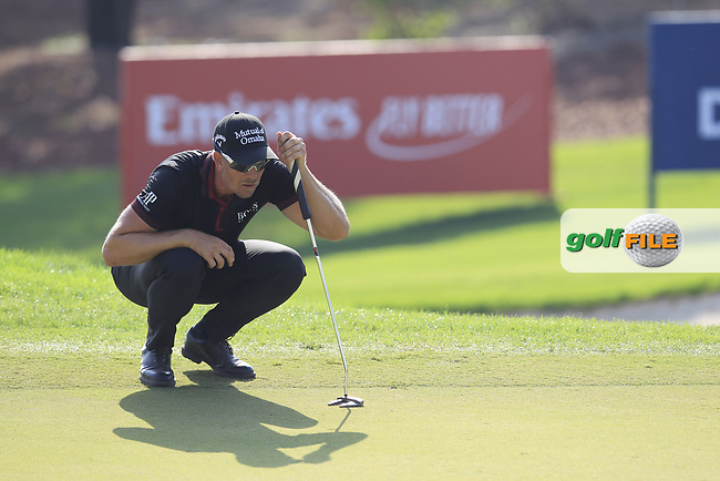 Henrik Stenson (SWE) on the 15th green during the final round of the DP World Tour Championship, Jumeirah Golf Estates, Dubai, United Arab Emirates. 18/11/2018<br /> Picture: Golffile | Fran Caffrey<br /> <br /> <br /> All photo usage must carry mandatory copyright credit (&copy; Golffile | Fran Caffrey)