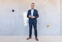 Pressetermin des Robert Koch-Instituts vor der Inbetriebnahme des Hochsicherheitslabors der Schutzstufe S4.<br /> In dem Labor der hoechsten Schutzstufe koennen am Standort Seestra&szlig;e in Berlin-Wedding hochansteckende, lebensbedrohliche Krankheitserreger wie Ebola-, Lassa- oder Nipah-Viren sicher untersucht werden.<br /> Der Betriebsbeginn ist am 31. Juli 2018.<br /> Im Bild: Prof. Lothar H. Wiehler, Praesident des Robert Koch-Institut.<br /> ACHTUNG: Sperrfrist der Veroeffentlichung ist bis 25. Juli 2018 9.00 Uhr!<br /> 24.7.2018, Berlin<br /> Copyright: Christian-Ditsch.de<br /> [Inhaltsveraendernde Manipulation des Fotos nur nach ausdruecklicher Genehmigung des Fotografen. Vereinbarungen ueber Abtretung von Persoenlichkeitsrechten/Model Release der abgebildeten Person/Personen liegen nicht vor. NO MODEL RELEASE! Nur fuer Redaktionelle Zwecke. Don't publish without copyright Christian-Ditsch.de, Veroeffentlichung nur mit Fotografennennung, sowie gegen Honorar, MwSt. und Beleg. Konto: I N G - D i B a, IBAN DE58500105175400192269, BIC INGDDEFFXXX, Kontakt: post@christian-ditsch.de<br /> Bei der Bearbeitung der Dateiinformationen darf die Urheberkennzeichnung in den EXIF- und  IPTC-Daten nicht entfernt werden, diese sind in digitalen Medien nach &sect;95c UrhG rechtlich geschuetzt. Der Urhebervermerk wird gemaess &sect;13 UrhG verlangt.]