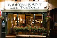 restaurant les tontons rue fg madeleine beaune cote de beaune burgundy france