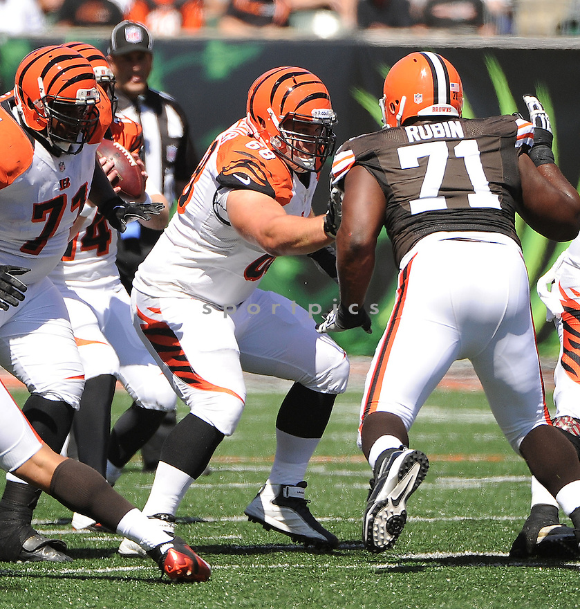 Cincinnati Bengals Kevin Zeitler (68) in action during a game against the Cleveland Browns on September 16, 2012 at Paul Brown Stadium in Cincinnati, OH. The Bengals beat the Browns 34-27.