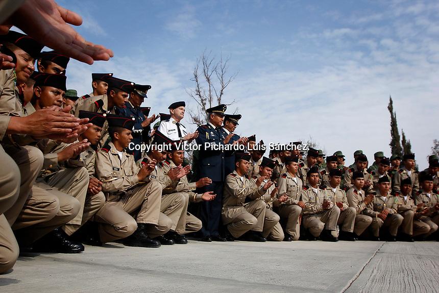 Quer&eacute;taro, Qro. 11 de marzo de 2016.- Se llev&oacute; a cabo la Ceremonia de Ascensos y distinciones de los Conscriptos al Servicio Militar Nacional que cumplen con sus obligaciones militares encuadrados en el 1er ELN. de ADTO. de 2017.<br /> <br /> Foto: Luis S&aacute;nchez.