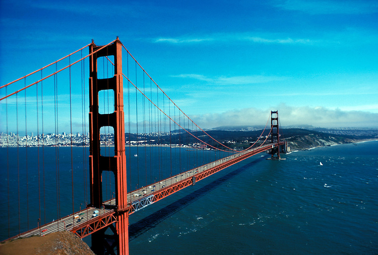 California: San Francisco.  Golden Gate Bridge.  Photo #: caggbr102..Photo copyright Lee Foster, 510/549-2202, lee@fostertravel.com, www.fostertravel.com