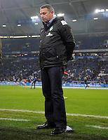 FUSSBALL   1. BUNDESLIGA    SAISON 2012/2013    11. Spieltag   FC Schalke - 04 Werder Bremen                              10.11.2012 Manager Klaus Allofs (SV Werder Bremen)  an der Seitenlinie der Veltins Arena auf Schalke