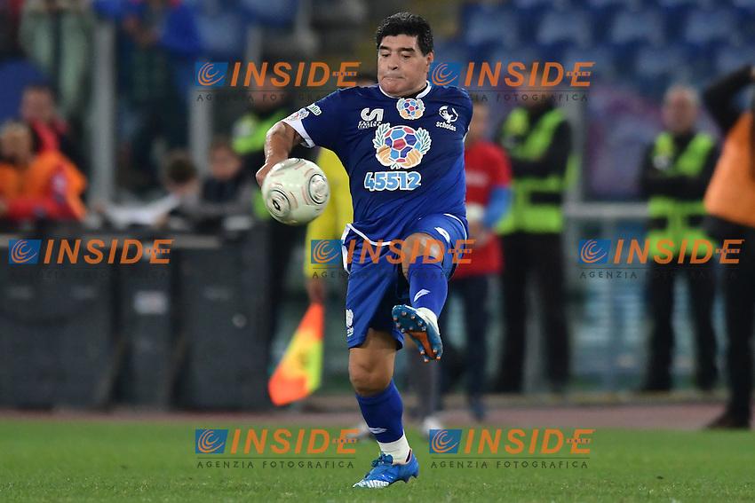 Diego Armando Maradona <br /> Roma 12-10-2016 Stadio Olimpico <br /> Incontro di calcio benefico Uniti per la Pace <br /> Charity football match United for Peace . Foto Andrea Staccioli / Insidefoto