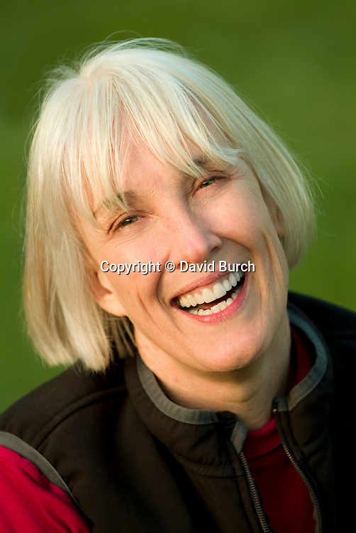 Mature woman smiling, portrait