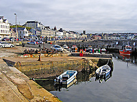 Portstewart, Co Londonderry, N Ireland, UK, view along the seafront with the harbour in the foreground. 200509100001.<br />