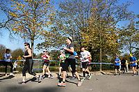 Nederland - Amsterdam - 2017 .  De Marathon van Amsterdam.  Vondelpark. Foto Berlinda van Dam / Hollandse Hoogte