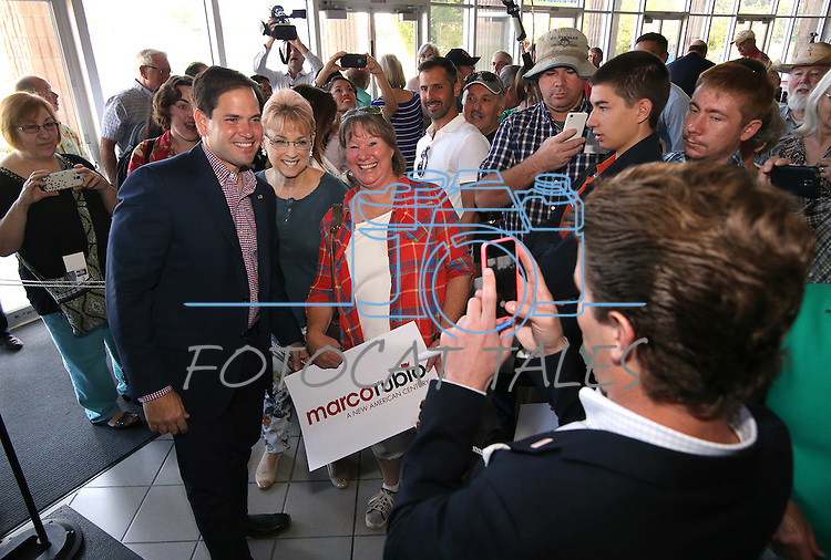 Florida Sen. Marco Rubio poses for photos following a campaign stop in Carson City, Nev. on Tuesday, Sept. 1, 2015. The Republican presidential hopeful is visiting several Northern Nevada towns this week. (Cathleen Allison/Las Vegas Review-Journal)