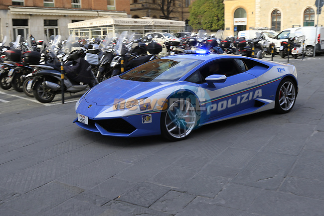 Police Lamborghini ready for the 2019 Strade Bianche running 184km from Siena to Siena, held over the white gravel roads of Tuscany, Italy. 8th March 2019.<br /> Picture: Eoin Clarke | Cyclefile<br /> <br /> <br /> All photos usage must carry mandatory copyright credit (© Cyclefile | Eoin Clarke)