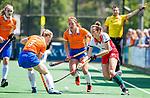 BLOEMENDAAL - Sanne Caarls (Bldaal) (m) tijdens de tweede Play Out wedstrijd hockey dames, Bloemendaal-MOP (5-1)  COPYRIGHT KOEN SUYK