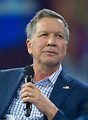 Governor John Kasich (Republican of Ohio), a candidate for the Republican Party nomination for President of the United States, speaks at the Conservative Political Action Conference (CPAC) at the Gaylord National Resort and Convention Center in National Harbor, Maryland on Friday, March 4, 2016.<br /> Credit: Ron Sachs / CNP
