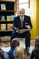 King Philippe of Belgium reads aloud at the start of the' reading week ' - Belgium